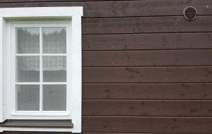 Fence – Exterior application, wooden surface painted with natural oil wooden stain.
